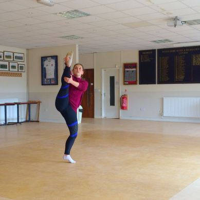 Leg hold preparation encouraging good holdon the foot and calf muscle